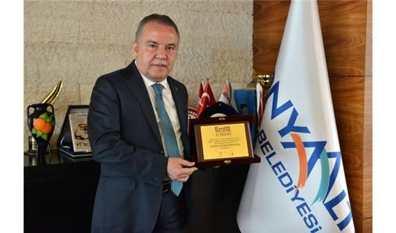 Konyaaltı Belediyesi'ne Emitt 2017'De 'En İyi Destinasyon Tanıtımı' Ödülü