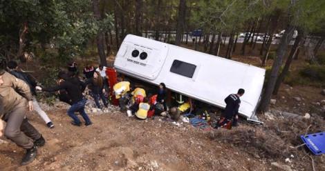 Minibüs Kazasında Ölen 2 Kişi Toprağa Verildi