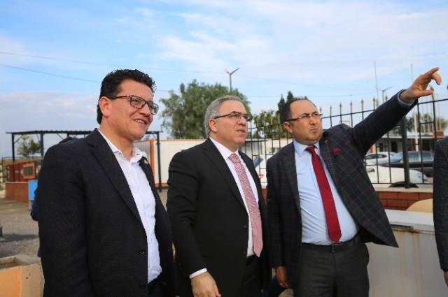 TOKİ Başkanı Turan, Finike'de İncelemelerde Bulundu