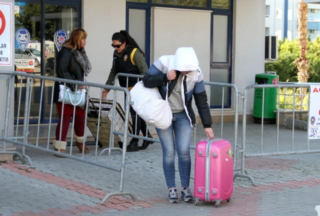 Vizesi Dolan Yabancı Uyruklu 2 Kadın Gözaltına Alındı