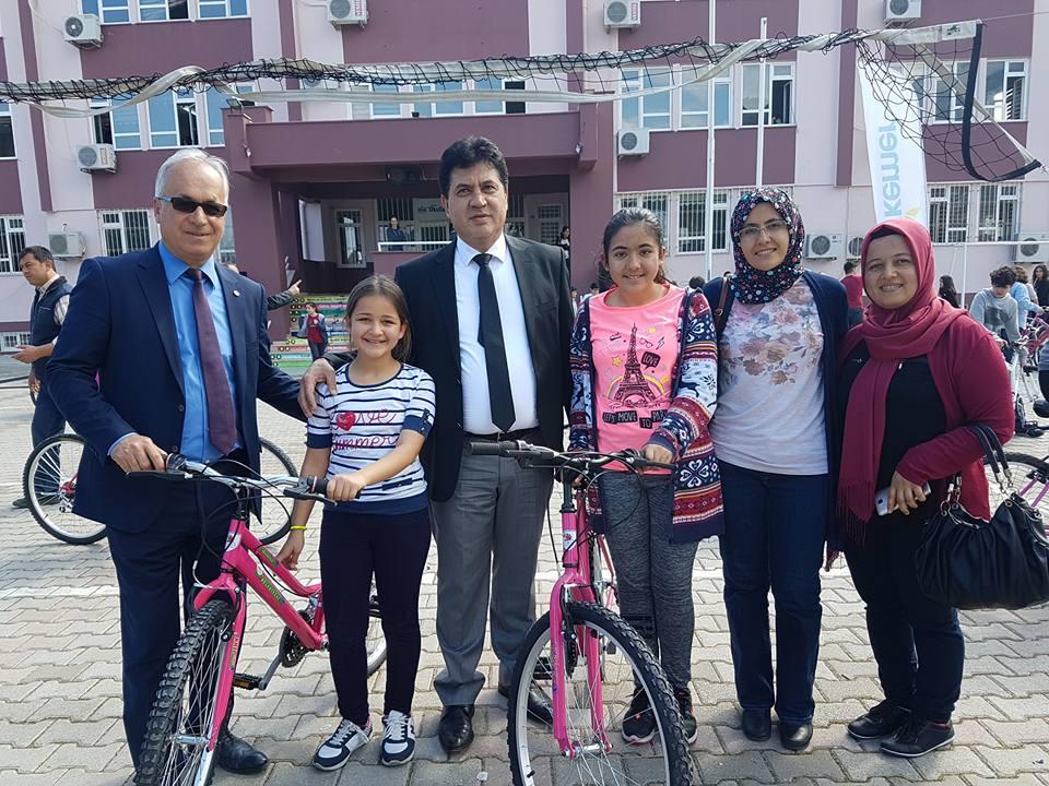 2 bin öğrenci bisikletle buluşturuldu