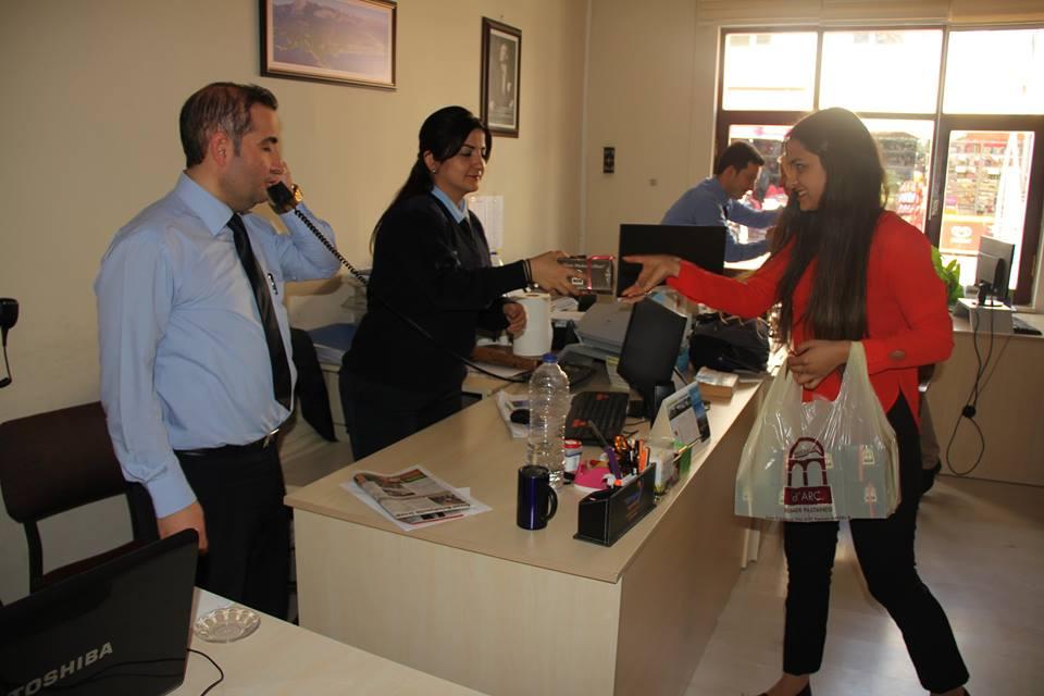 Kemer Belediyesi Kandil Simidi Dağıttı