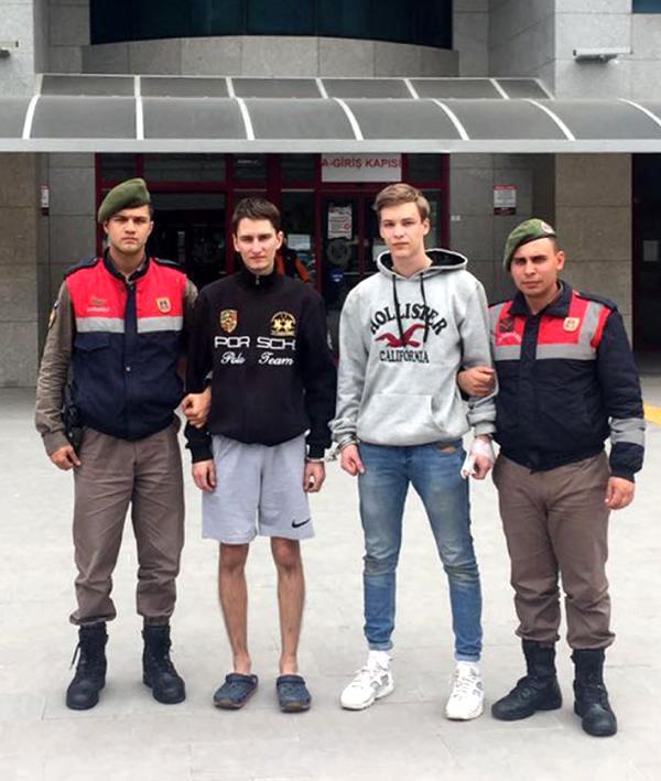 2 Rus Turist Hırsızlıktan Tutuklandı