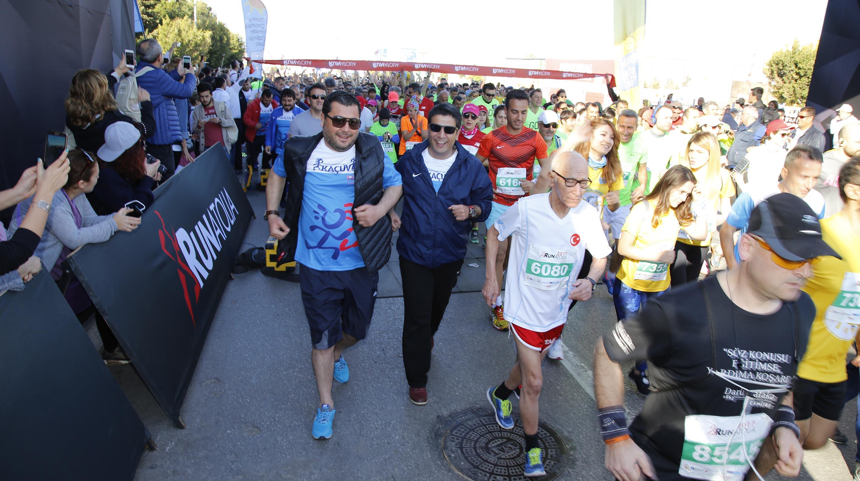 Başkan Turgay Genç, Kanserli çocuklar için koştu