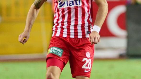 Antalyasporlu Celustka milli takımda