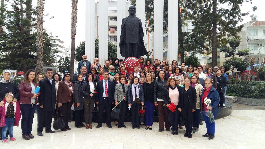 CHP Antalya İl Kadın Kolları 8 Mart Dünya Kadınlar Günü etkinlikleri çerçevesinde Kumluca'lı kadınlarla bir araya geldi.