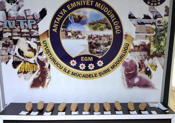 Antalya'da 5.5 Kilo Eroin Ele Geçirildi