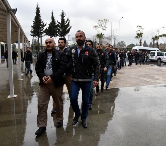 Antalya'da Fetö'nün Öğretmen Yapılanmasına Operasyon: 16 Gözaltı