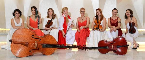 Antalya'da Kadınlar Orkestrası Kuruldu