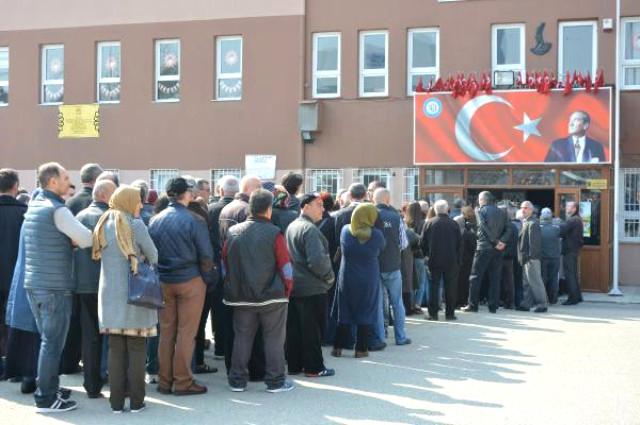 Bulgaristan'da Seçim Başladı, Türkiye'de Kuyurklar Oluştu!