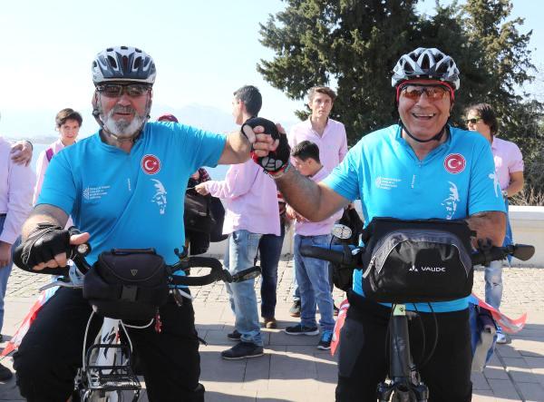 Engelliler İçin 900 Kilometre Bisiklet Sürecekler