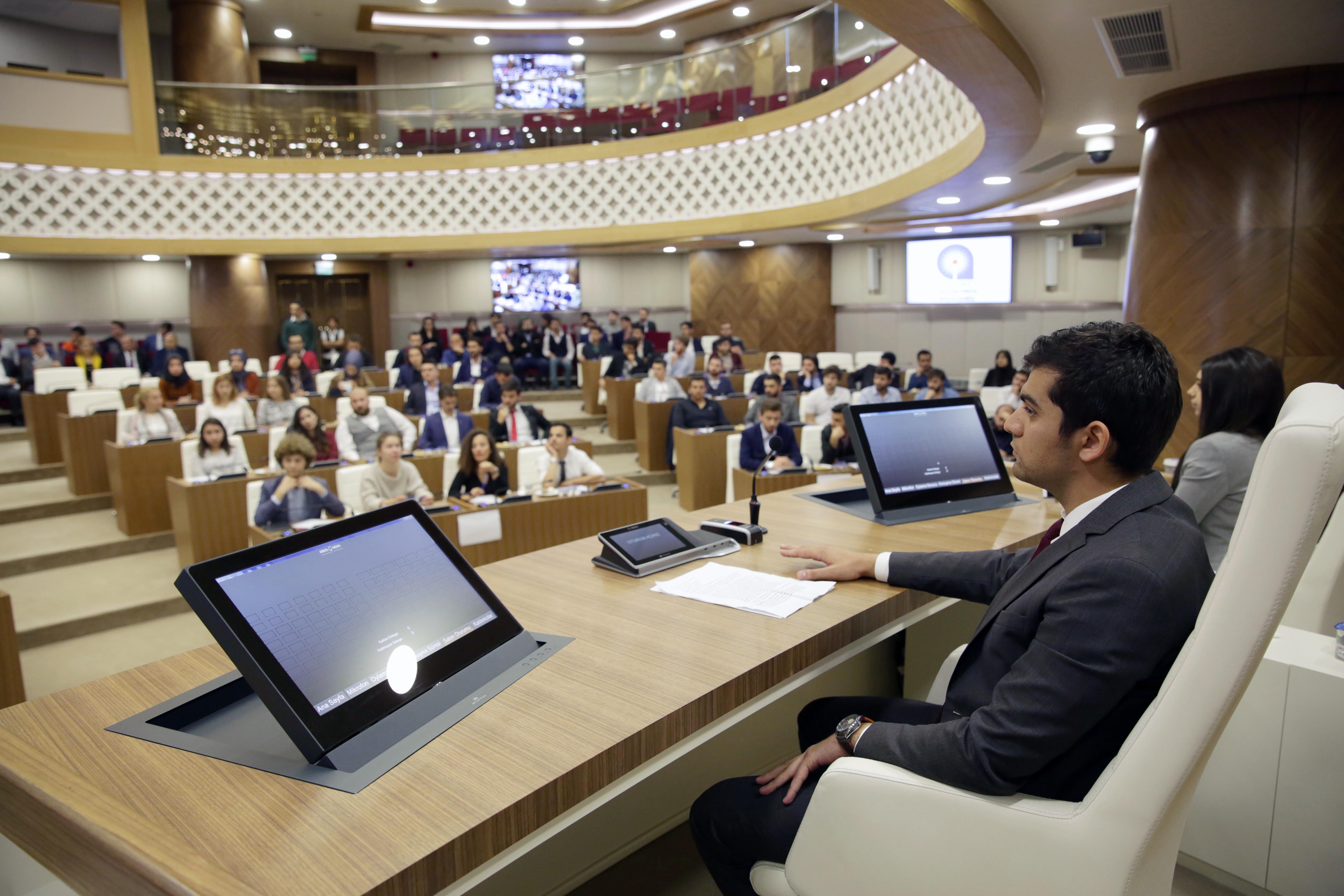 Büyükşehir Gençlik Meclisi ilk toplantısını yaptı