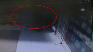 İşyerini Savaş Alanına Çeviren Trafik Kazası Güvenlik Kamerasında