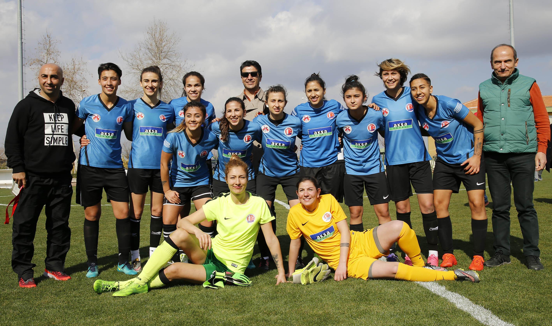 Döşemealtı Kadın Futbol Takımı, Karadeniz Ereğli'yi ağırlıyor