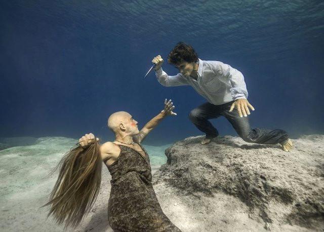 Kadına Şiddete Su Altında Dikkat Çektiler