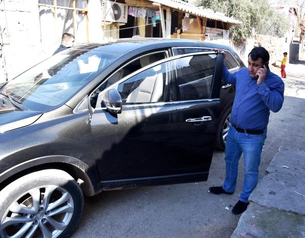 Kaza Yapınca Taşlanan Azeri İşadamı Cipini Bırakıp Kaçtı