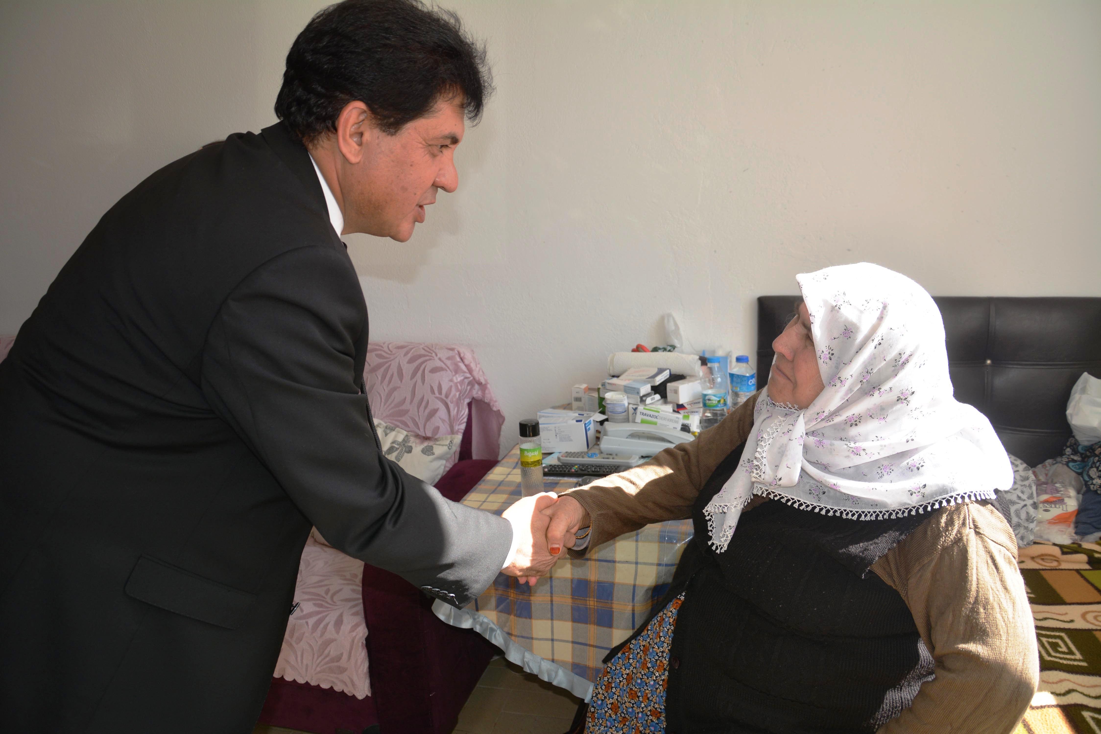 Kemer Belediyesi 13.099 hastayı hastanelere taşıdı