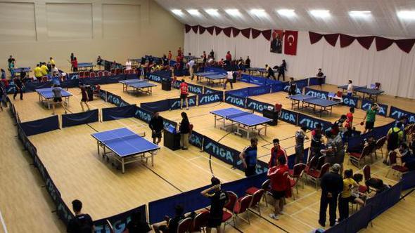 Üniversiteler Arası Masa Tenisi Türkiye Şampiyonası Başladı