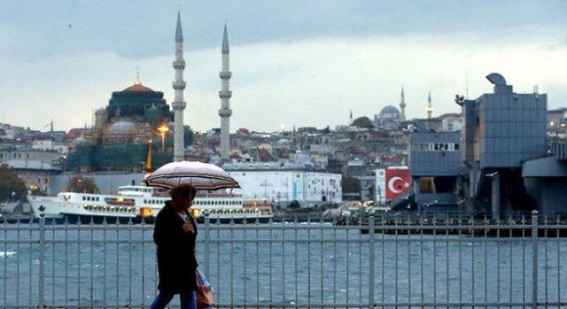 Antalya'da Kuvvetli Sağanak Uyarısı