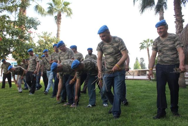 Asker Arkadaşları 30 Yıl Sonra İçtimada Buluştu