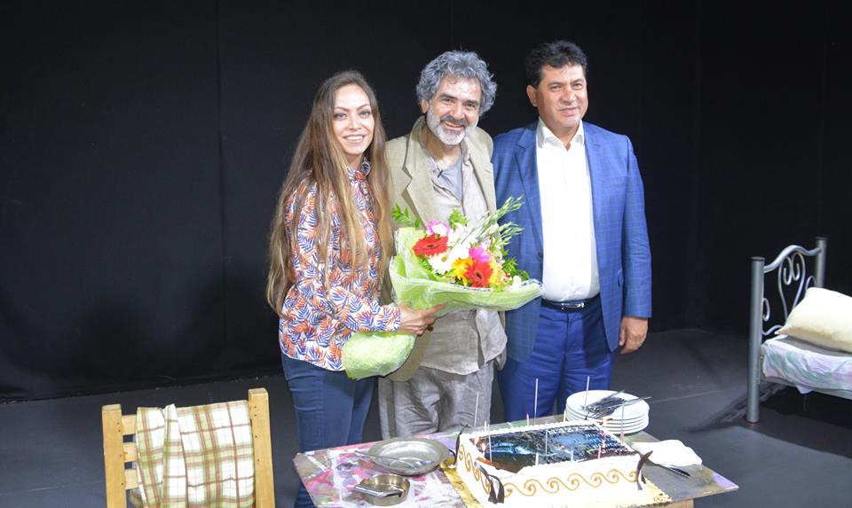 Gül çiftinden tiyatrocu Hüseyin Poyraz'a büyük sürpriz