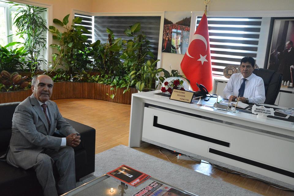PROF DR DURAN CANATAN'DAN BAŞKAN GÜL'E HAYIRLI OLSUN ZİYARETİ