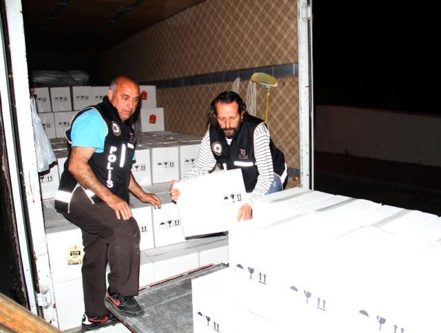Antalya'da 15 Bin Şişe Kaçak ve Bandrolsüz İçki Ele Geçirildi