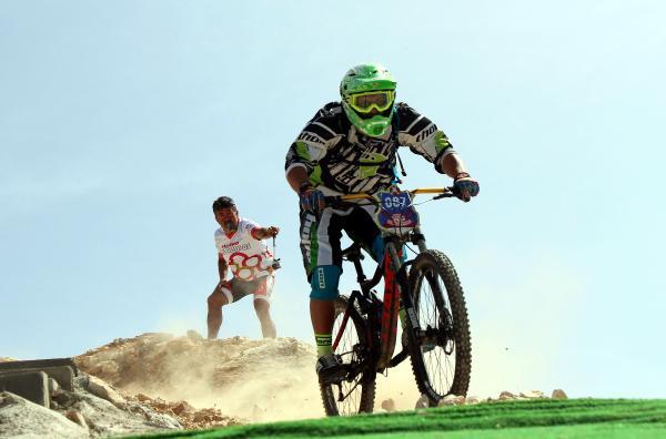 Olympos Dağ Bisikleti Yarışı'ndea sürpriz evlilik teklifi