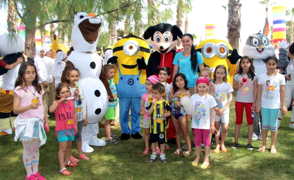 Kemer'de Turistler İçin Aile Festivali