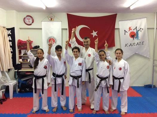 Kemerli Karatecilerden 3 Balkan Şampiyonu