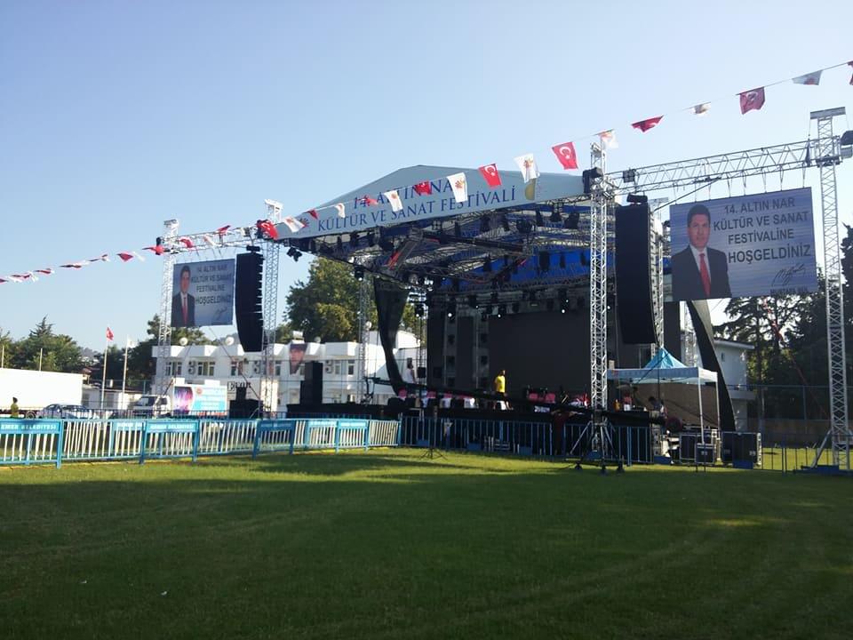 14'üncüsü düzenlenen festival, kortej yürüyüşüyle başladı