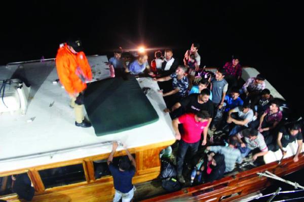 Manavgat'ta 100 kaçak yakalandı