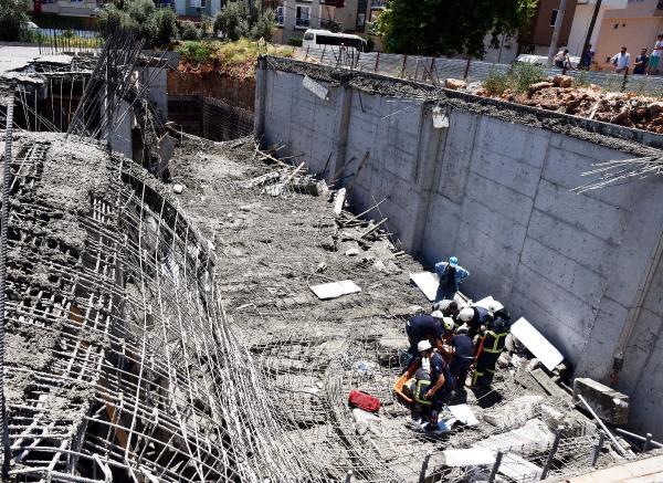 İnşaat kalıpları çöktü: 4 işçi yaralı