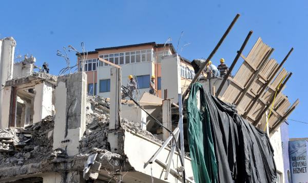 Turizm sezonunda inşaat faaliyetlerine kısıtlama