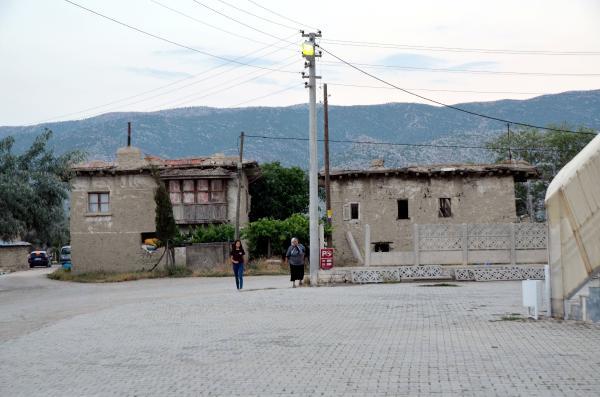 Antalya'nın sıcağından bunalan yaylaya kaçtı