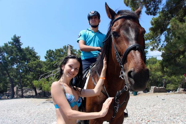 Atlı jandarma, Kemer sahillerinde güvenliği sağlayacak