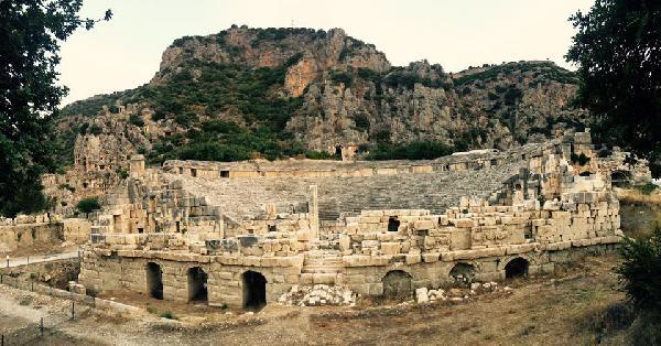 11 bin kişilik antik tiyatro restorasyona hazır