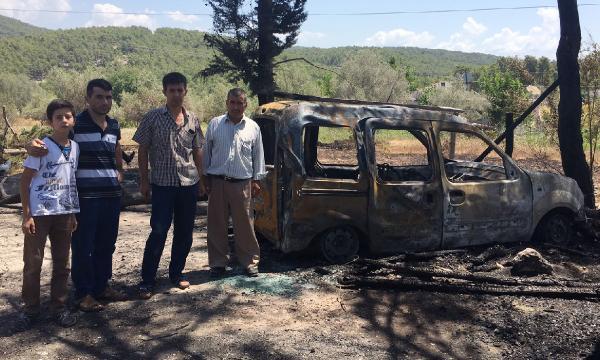 Yangın ormanı ve aracı kül etti
