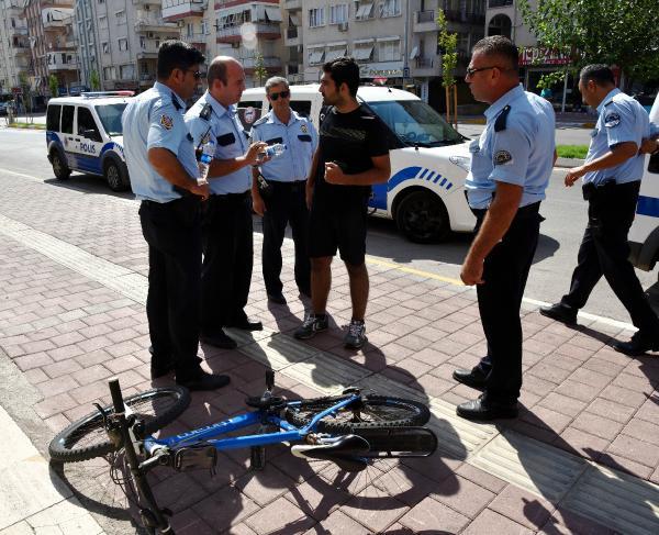 Bisiklet hırsızını fotoğrafla yakalattı