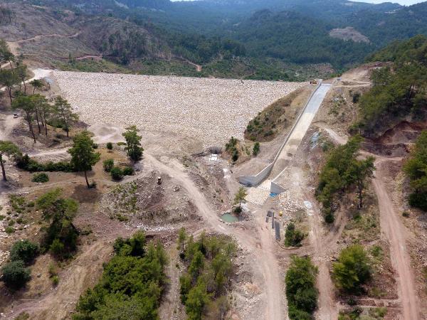 Adrasan Barajı inşaatı sürüyor