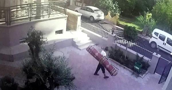 Hırsızın rahat tavrı şaşırttı