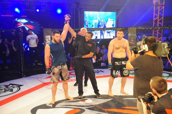 Kemer'de MMA turnuvası