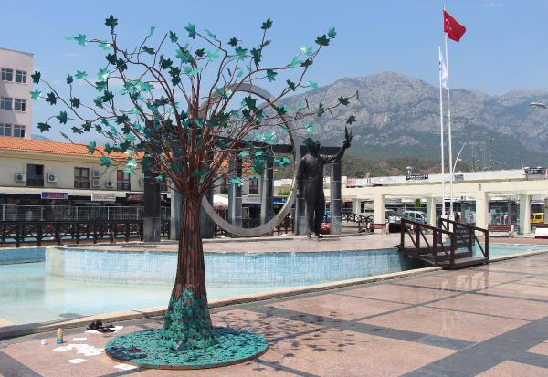 15 Temmuz şehitlerine anıt