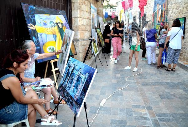 Sanatçılardan belediyeye çağrı