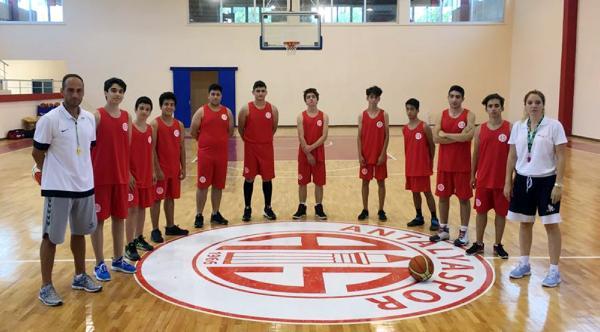 Antalyaspor Basketbol Okulu'nda ders zili çaldı