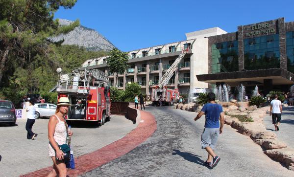 Göynük'te 4 yıldızlı otelde yangın çıktı, 13 kişi dumandan etkilendi