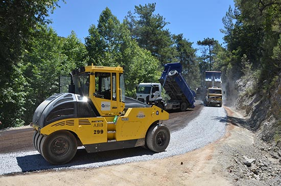 Gümüşkavak yolu asfaltlanıyor