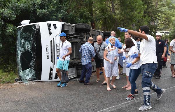 Antalya Kemer yolundaki kazaya yağmur neden olmuş