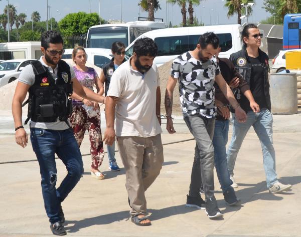 Antalya'da uyuşturucudan 4 gözaltı