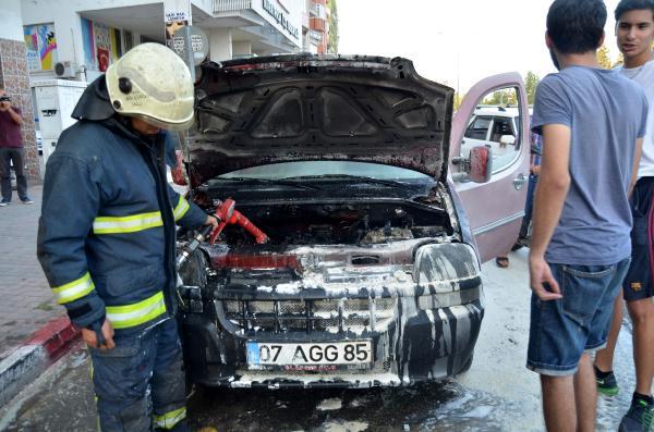 Seyir halinde aracın motoru yandı